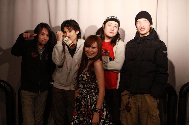 http://pinchang.net/blog/2011/images/photo/1621348_1004622373_179large.jpg
